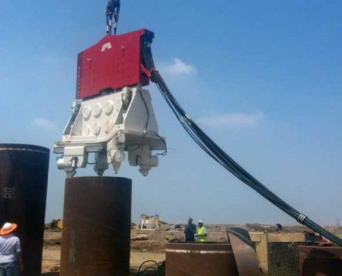 Crane-Suspended-Vibro-Hammer-SVR 200 NF-Suez Canal-Port Said