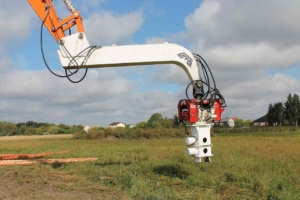 Hydraulic Pile Driver And Clamp For Timber Driving