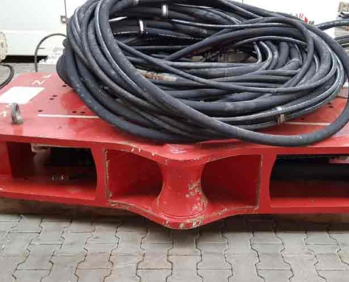 Used Vibro Hammer SVR 50 NF With Hydraulic Hoses